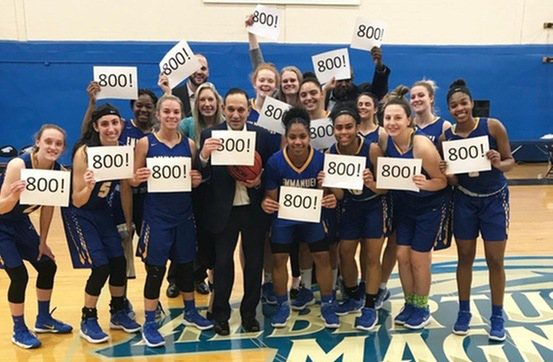 Yosinoff Joins 800-Win Club, Sits 15 Wins Away from DIII Record